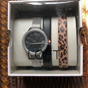 Watch with changeable bands